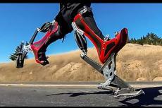 """Embedded thumbnail for L'uomo con gli """"stivali bionici"""""""